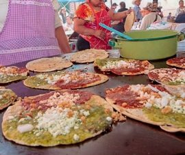 Realizan en Puebla la 9ª Feria de la Gordita