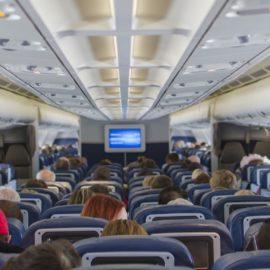 Nuevas ideas de asientos de aviones permitirían el distanciamiento social