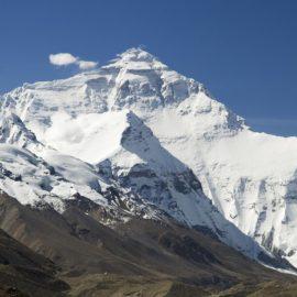 Limpiar el Everest sería una opción para aprovechar este momento en que se encuentra vacío