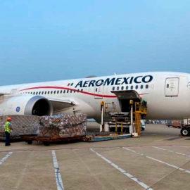 Aeroméxico realiza el vuelo más largo de su historia para transportar insumos médicos