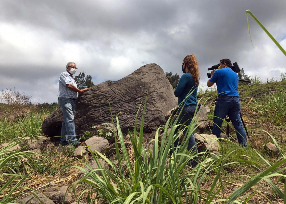 Hallan mapa del volcán de Colima en piedra de más de 2 mil años