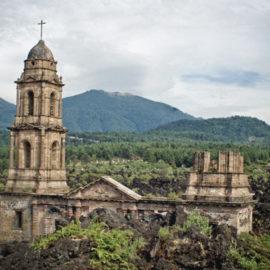 Parangaricutiro: el pueblo que fue sepultado por un volcán