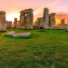 Encuentran un anillo de ejes prehistóricos cerca de Stonehenge