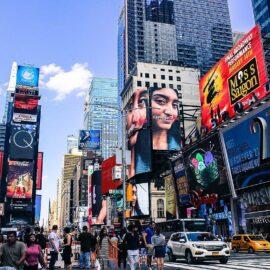 Broadway mantendrá cerrados sus teatros hasta 2021