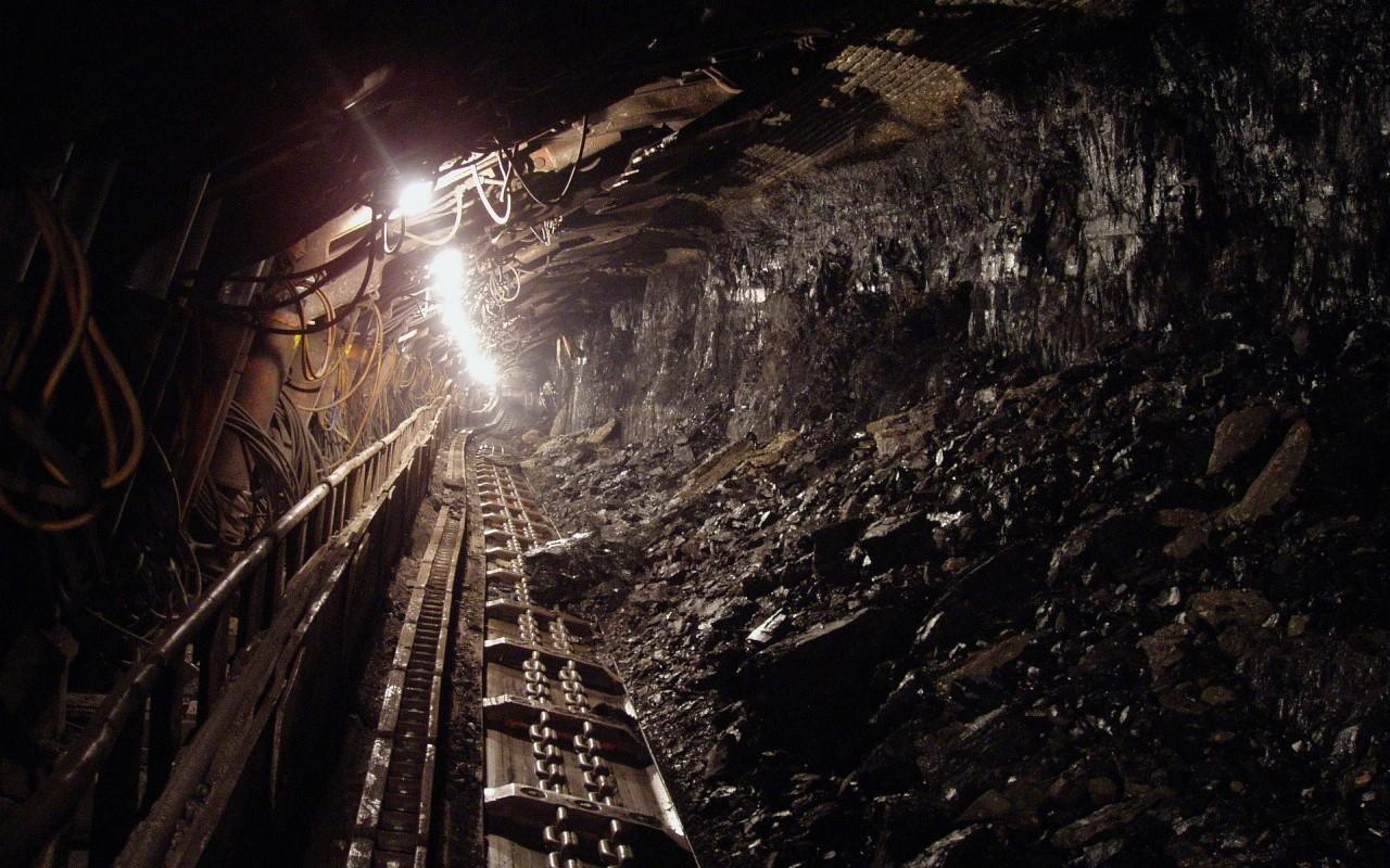 Empresa minera contamina río en Magdalena Ocotlán