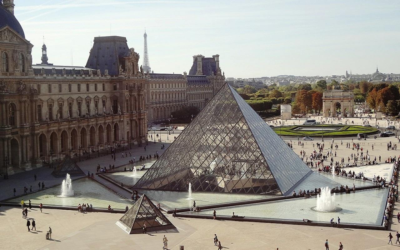 El Museo del Louvre reabre sus puertas después de tres meses cerrado