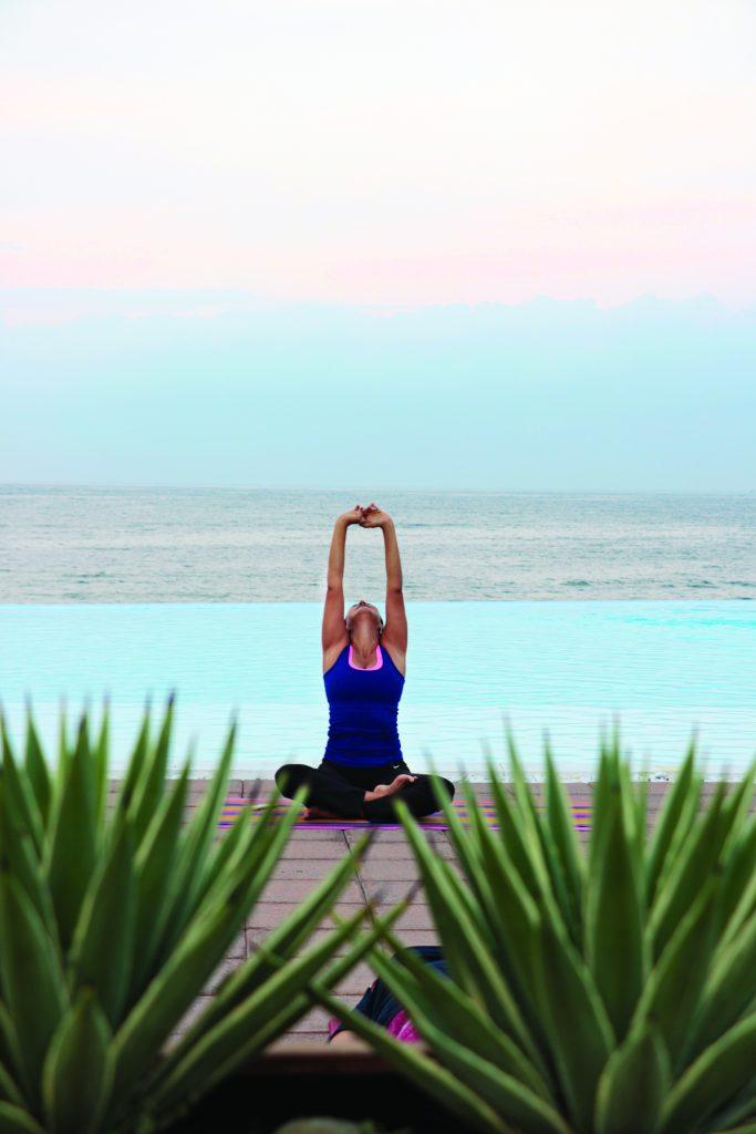 Clase de yoga con la maestra Lorena Ruiz