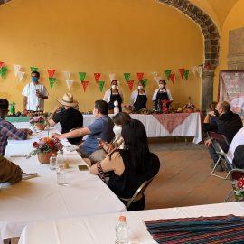 Cocineras de Calpan imparten Master Class a chefs de México