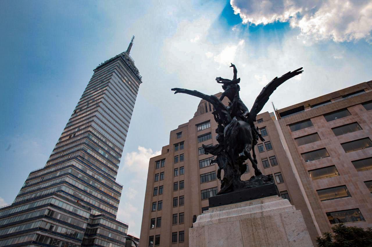 leyendas-de-difuntos-en-la-torre-latinoamericana