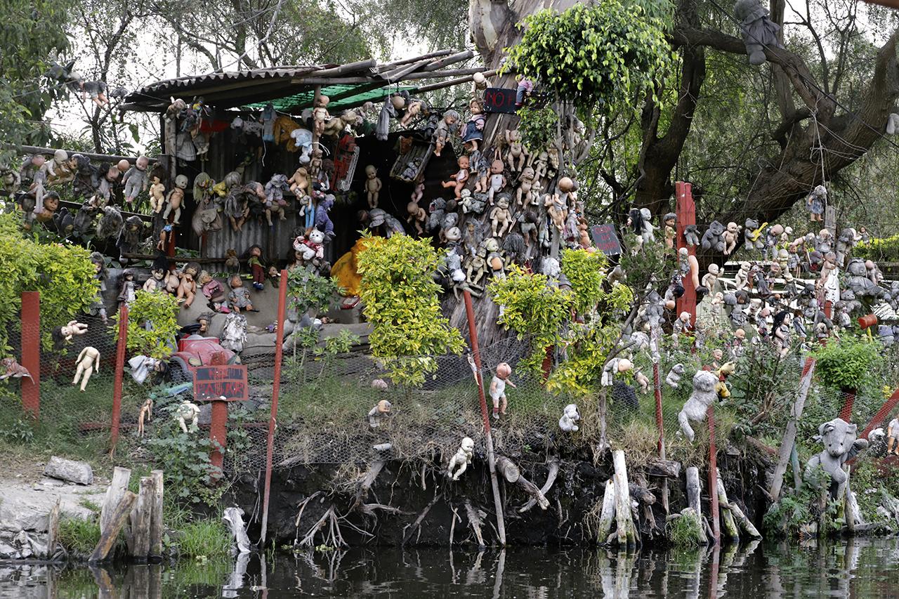 isla de las muñecas en Xochimilco