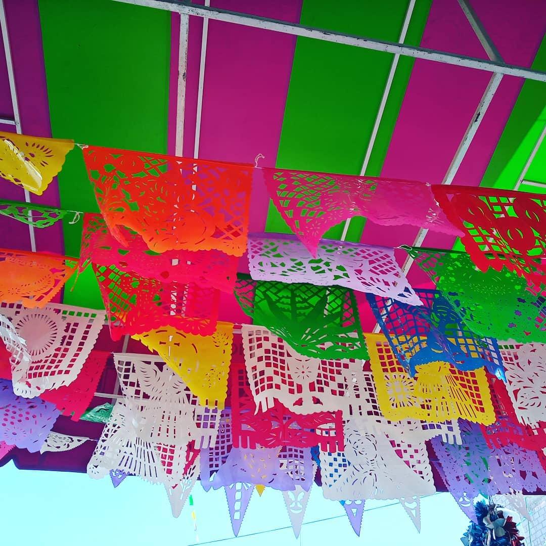 papel picado adorno fiestas mexicanas