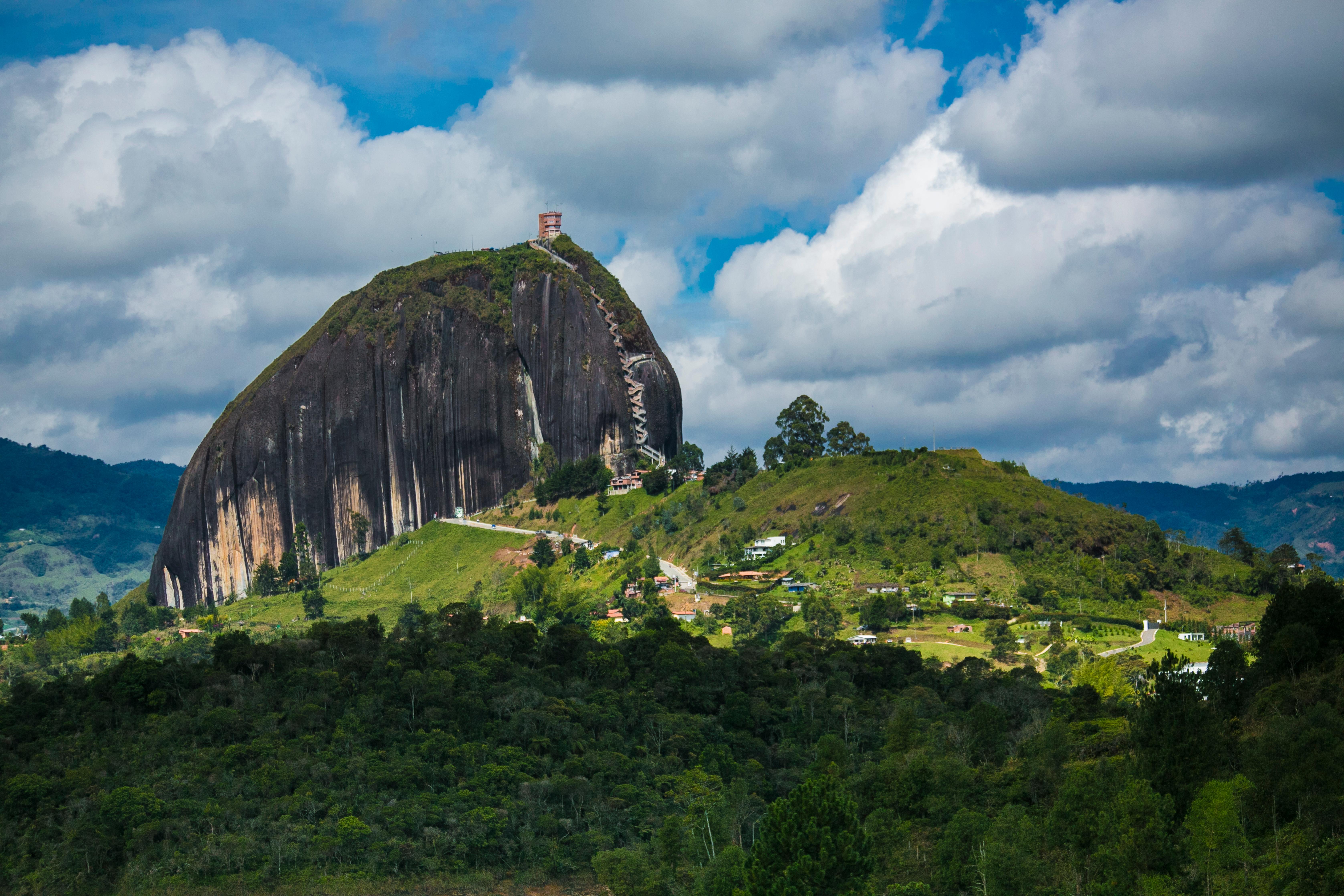 piedra del peñol colombia
